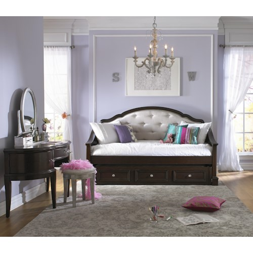 Samuel Lawrence Glamour Daybed Bedroom Group
