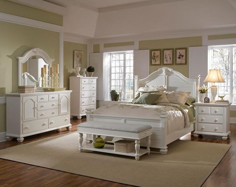 Shown with Chest, Bench, Queen Poster Bed and Night Stand