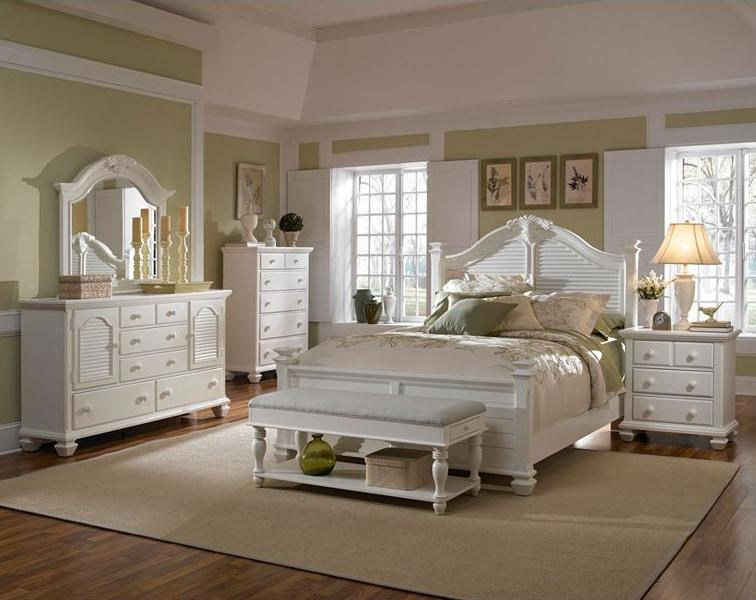 Shown with Door Dresser and Mirror, Queen Poster Bed, Bench and Night Stand