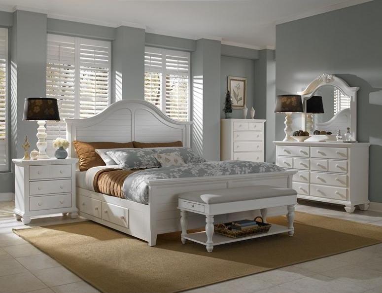 Shown with Night Stand, Queen Panel Storage Bed, Bench and Dresser with Mirror