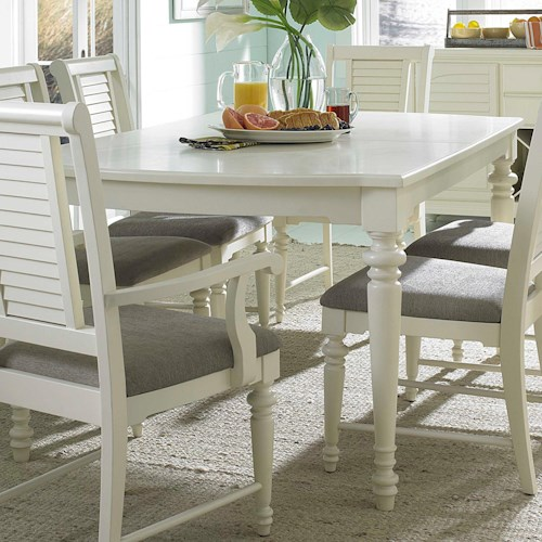 Broyhill Furniture Seabrooke Turned Leg Dining Table