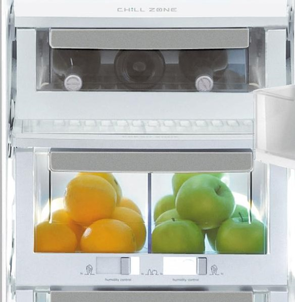 Luxury-Glide® Dual Humidity-Controlled Crisper Drawer