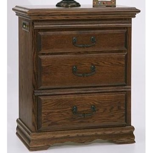 Furniture Traditions Master-Piece Right Facing 3 Drawer Nightstand