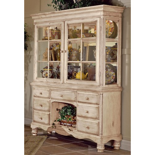 Hillsdale Wilshire Grand Cottage Buffet & Hutch Combo