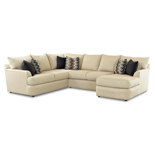 Elliston Place Findley Sectional Sofa With Right Arm Chaise Lounger
