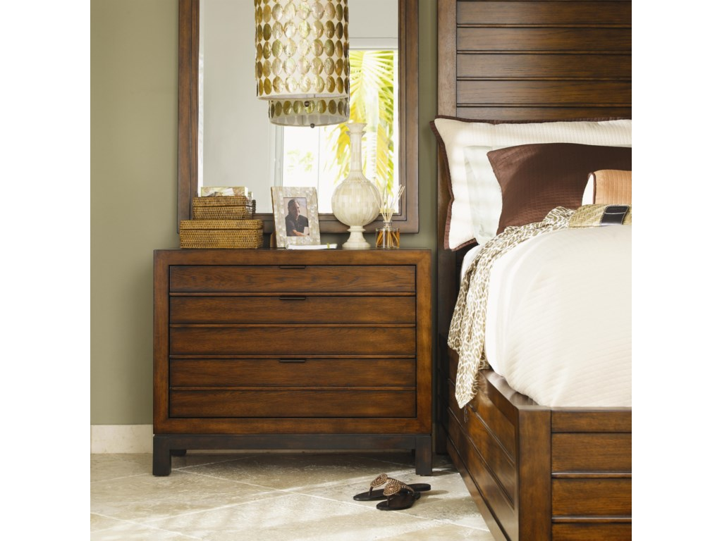 Shown with Marquesa Bed and Palm Isle Mirror