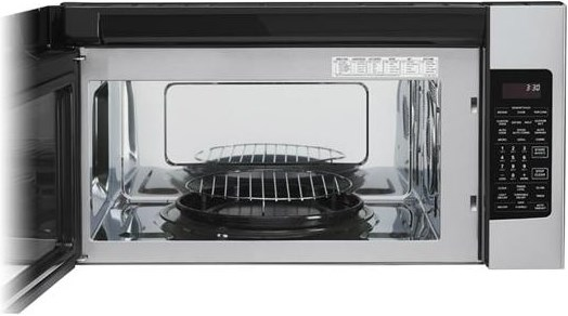 Convection Oven Boasts 1500 Watts of Cooking Power