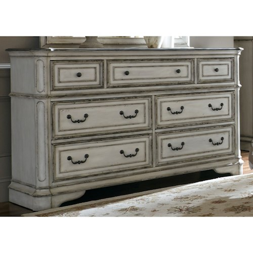 Vendor 5349 Magnolia Manor 7 Drawer Dresser with Felt-Lined Top Drawers