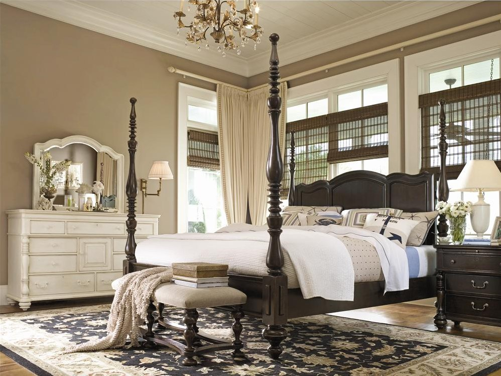 Shown with Tobacco finish Savannah Poster Bed