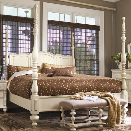 Morris Home Furnishings Pinehurst King Savannah Poster Bed with 3 Post Options