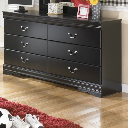 Signature Design by Ashley Huey Vineyard 6 Drawer Dresser