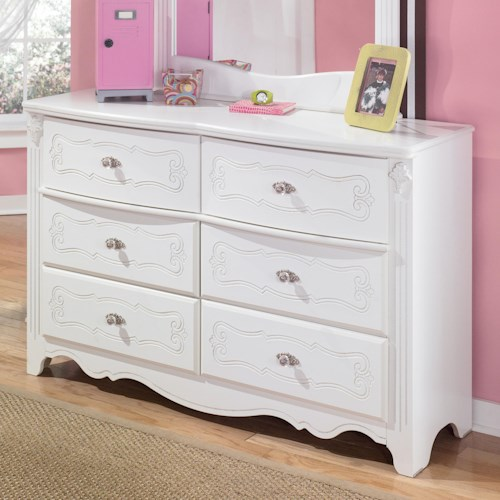 Signature Design by Ashley Exquisite Traditional 6 Drawer Dresser