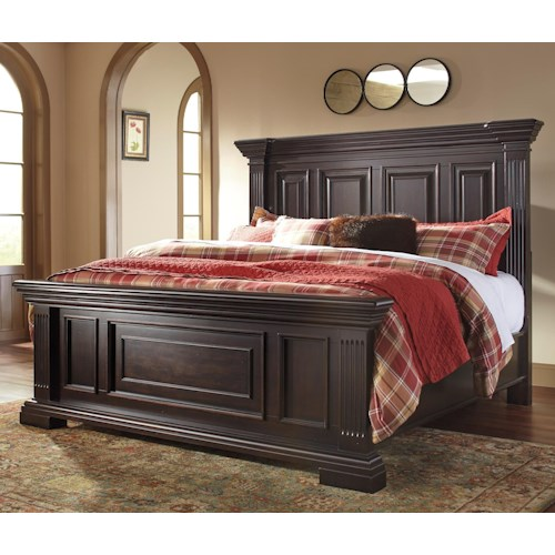 Signature Design by Ashley Willenburg Transitional Queen Panel Bed with Fluted Pilasters