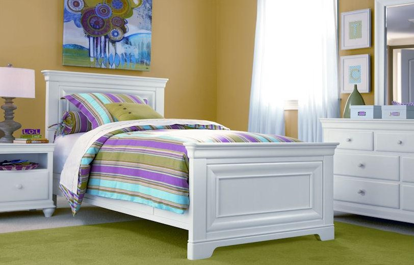 Shown with Mirror, Panel Bed & Nightstand