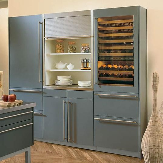 Shown with Light Blue Panels and Integrated 700TC Refrigerator or 700TF Freezer Models