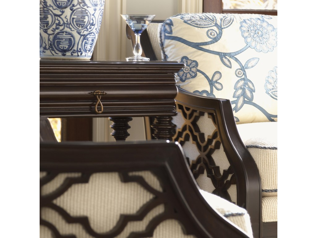 The Quatrefoil Design Makes a Magnificent Pop