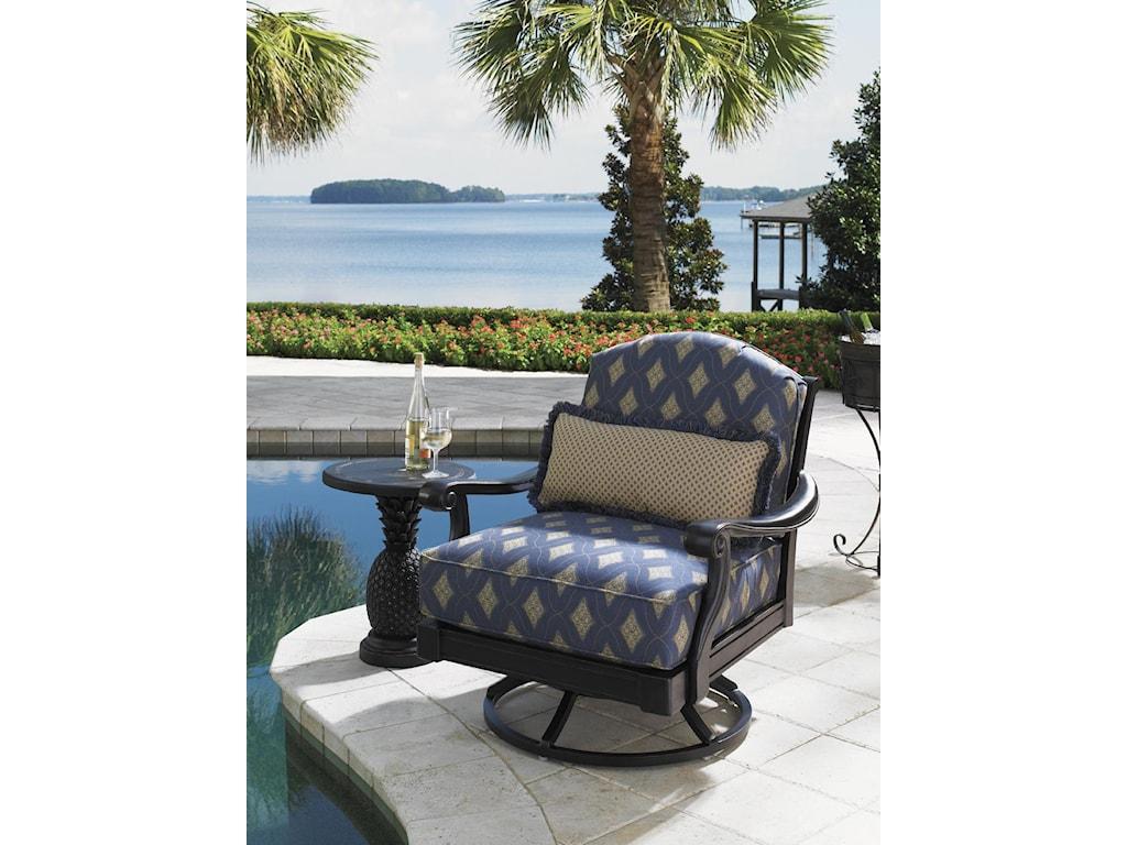 Shown with Kingston Sedona Swivel Lounge Chair