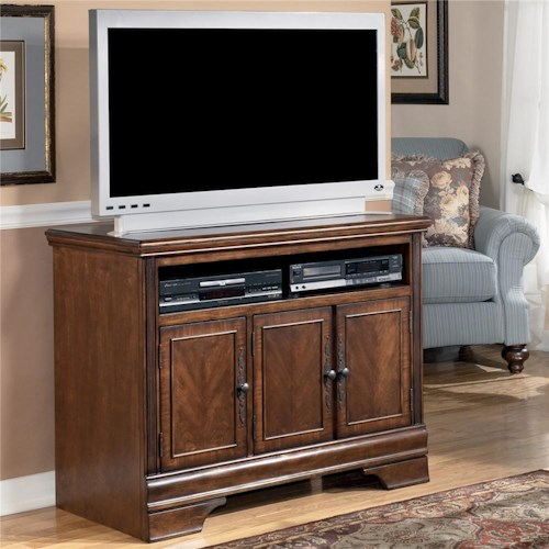 Signature Design By Ashley Hamlyn 42 Inch Tv Stand Value City Furniture Tv Stands