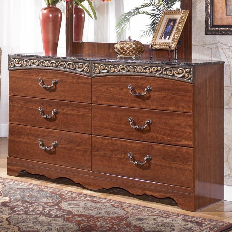Signature Design by Ashley Brookfield 6 Drawer Dresser