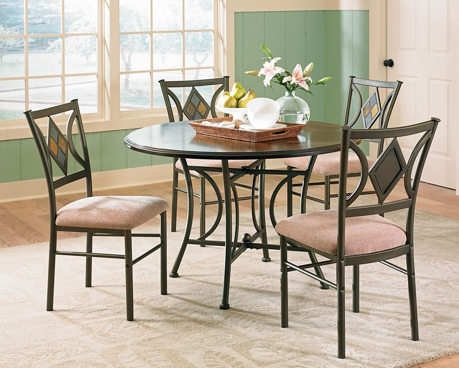 Star Ta a 5 Piece Casual Round Pedestal Table & Side