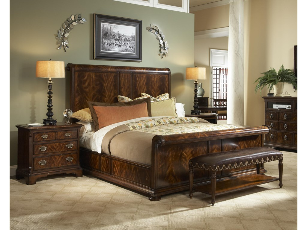 Fine Furniture Design Hyde ParkQueen Bedroom Group