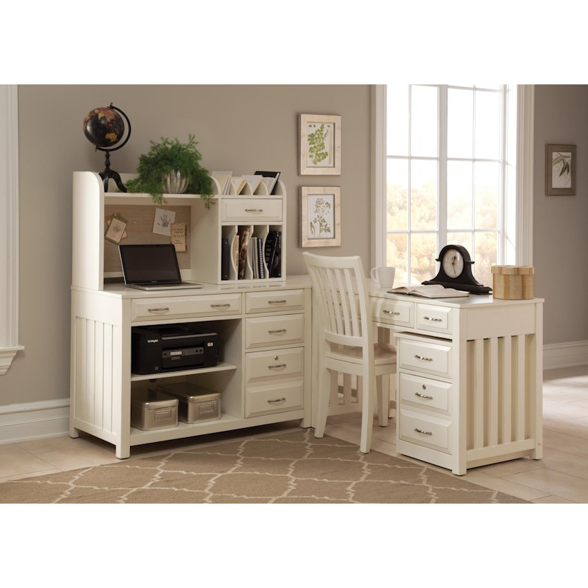 Hampton Bay - White by Liberty Furniture