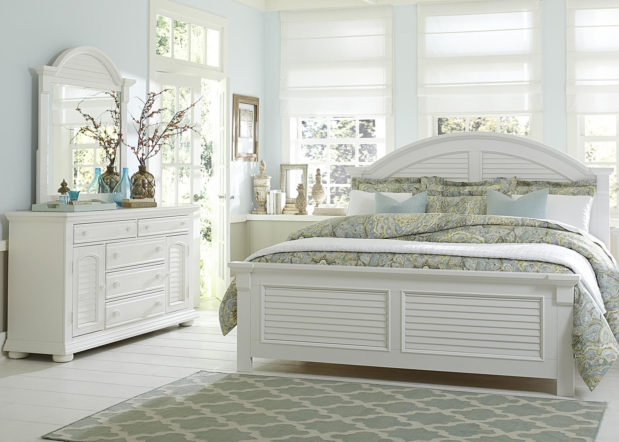 Charmant Liberty Furniture Summer HouseQueen Bedroom Group