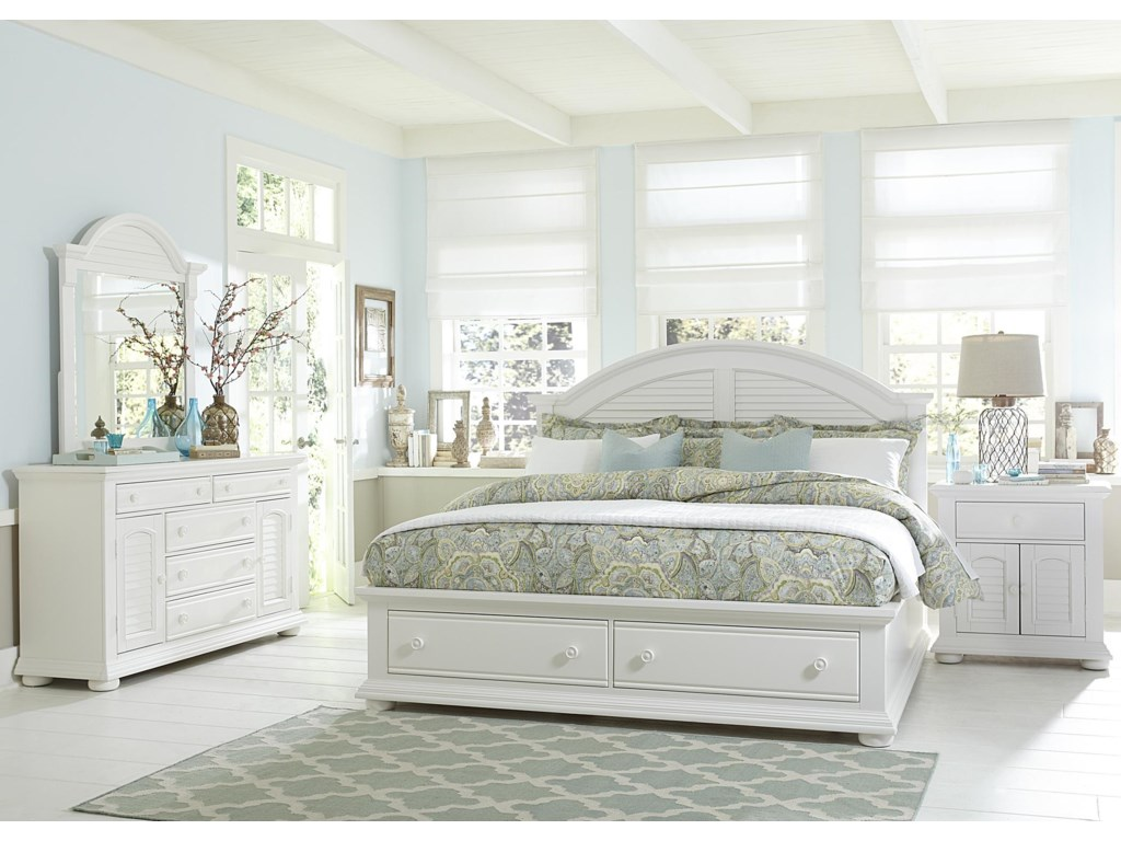 Liberty Furniture Summer HouseQueen Bedroom Group