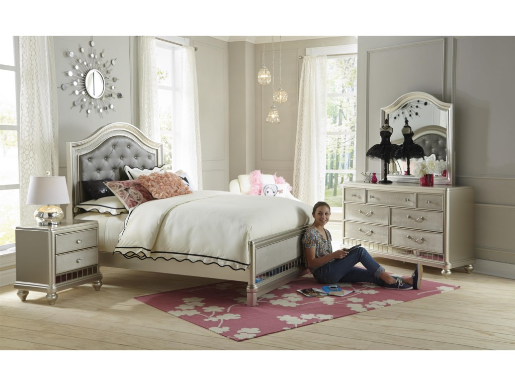 Samuel Lawrence Lil Diva Full Bedroom Group | Miskelly Furniture ...