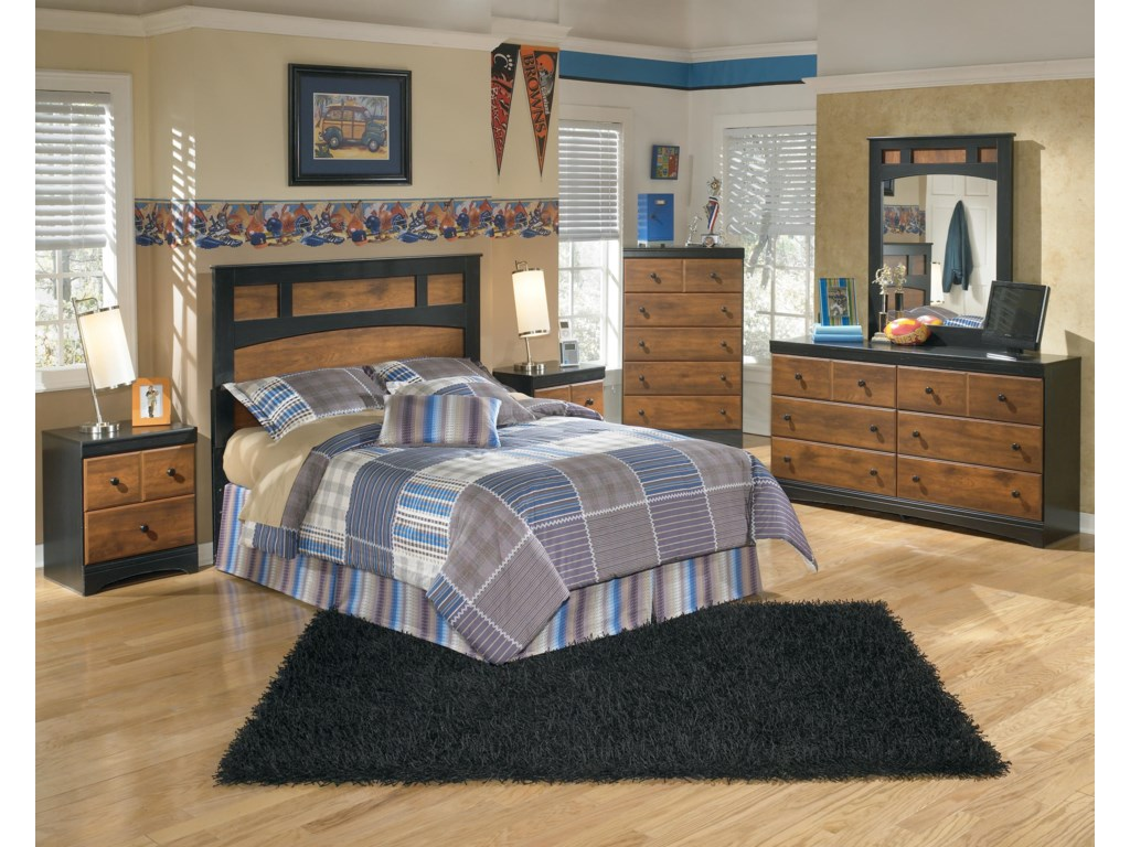 Signature Design by Ashley AimwellFull Bedroom Group