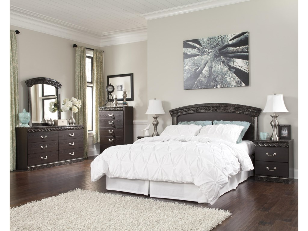 Ashley (Signature Design) VachelQueen/Full Bedroom Group