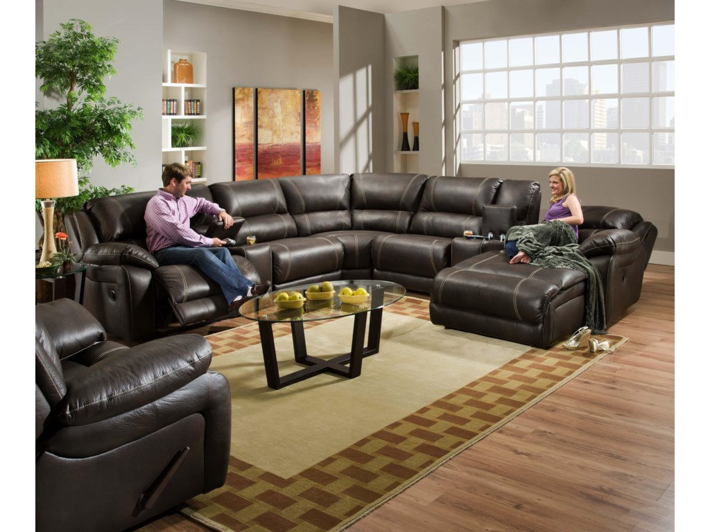 United Furniture Industries 660Reclining Living Room Group