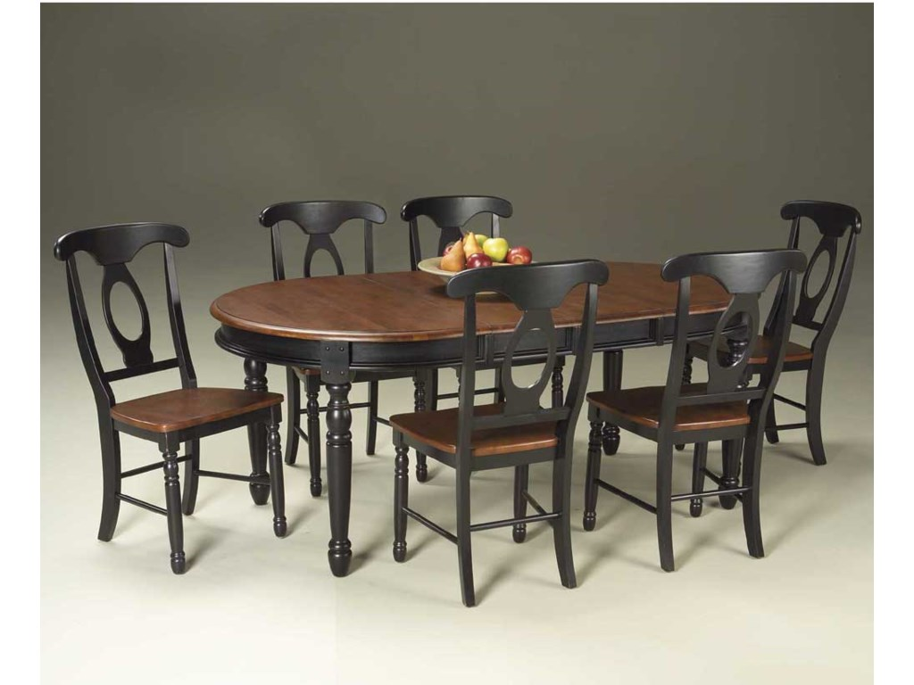 AAmerica British IslesOval Leg Table with Chairs