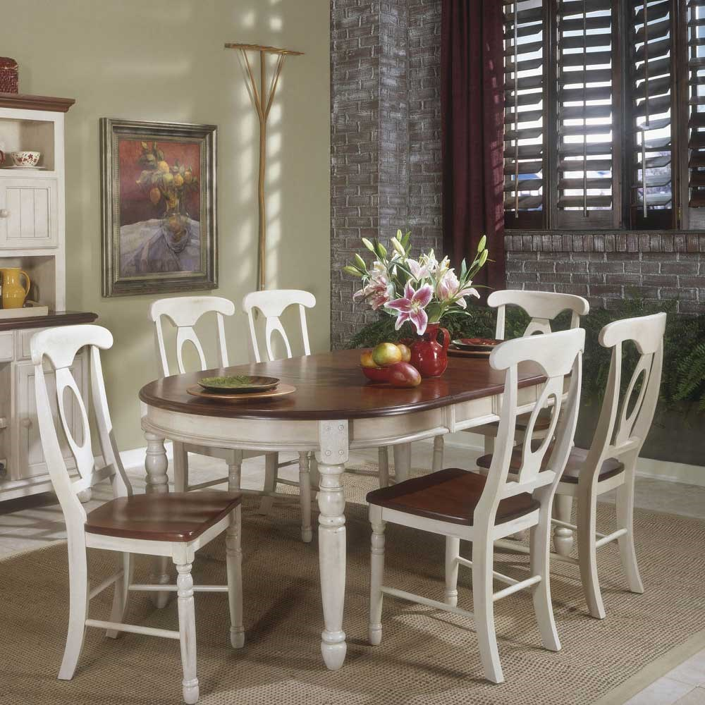 AAmerica British Isles Buttermilk Oval Leg Table