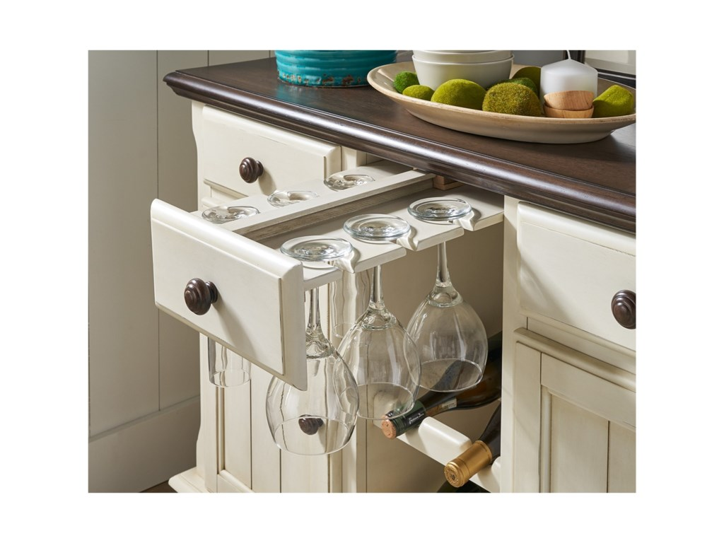 AAmerica British Isles - CODining Room Server