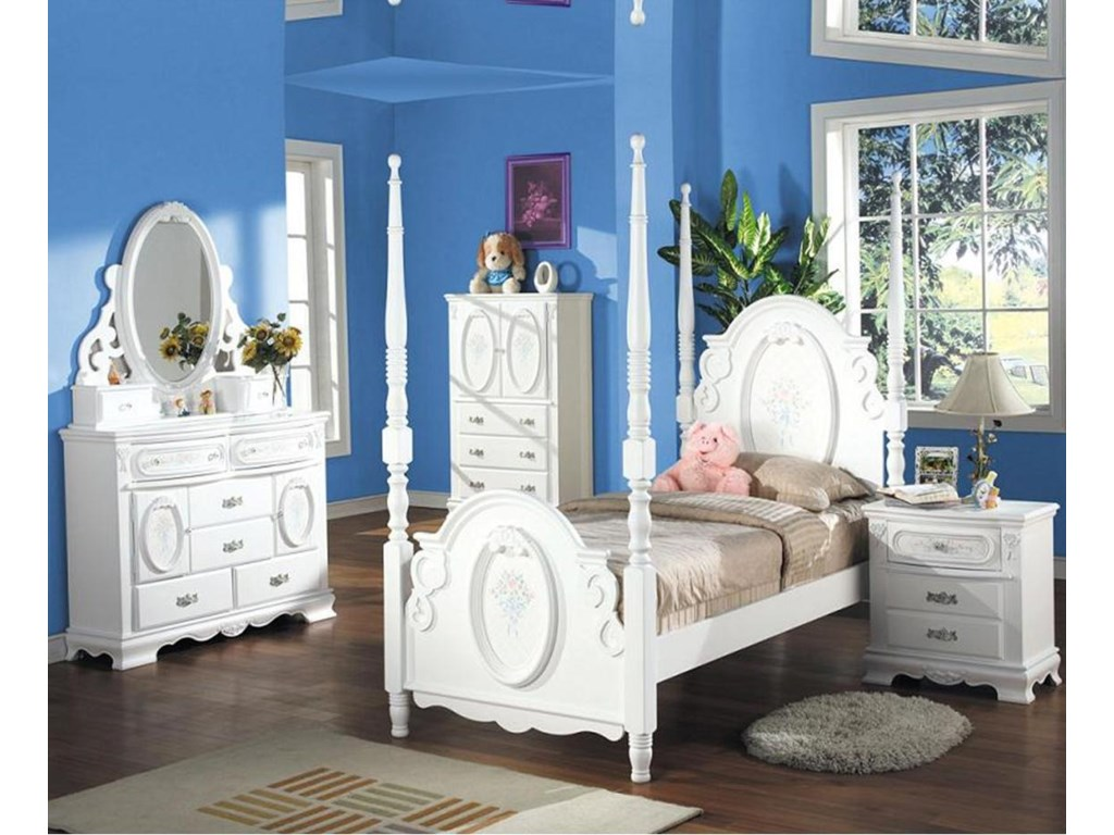 Shown in Room Setting with Mirror, Chest, Poster Bed and Nightstand