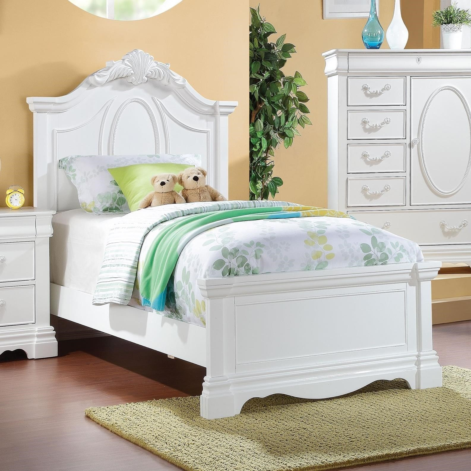 Traditional Full Bed with Decorative Motif