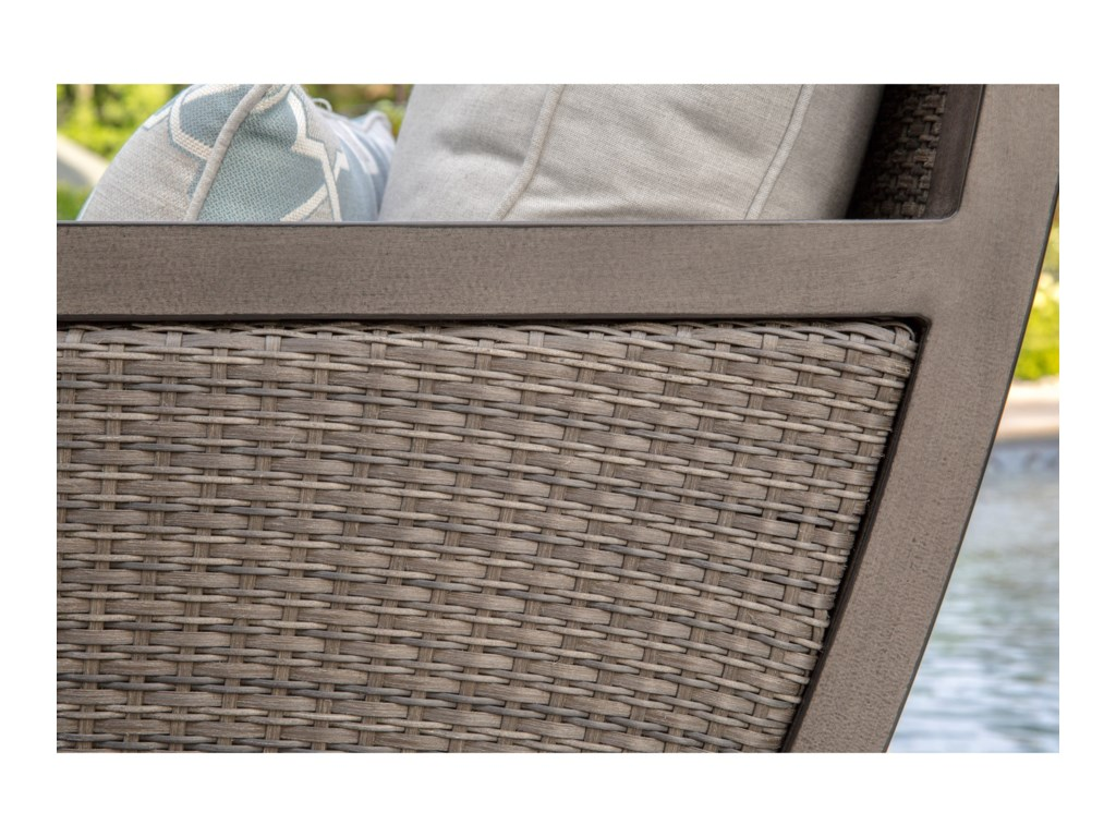 Apricity Outdoor AuroraLounge Chair
