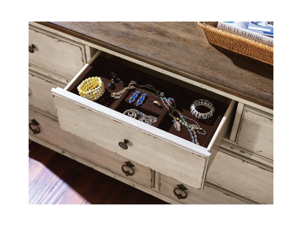 American Drew SOUTHBURY Drawer Dresser