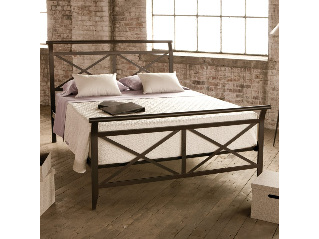 Amisco CountrysideQueen Gabriel Bed