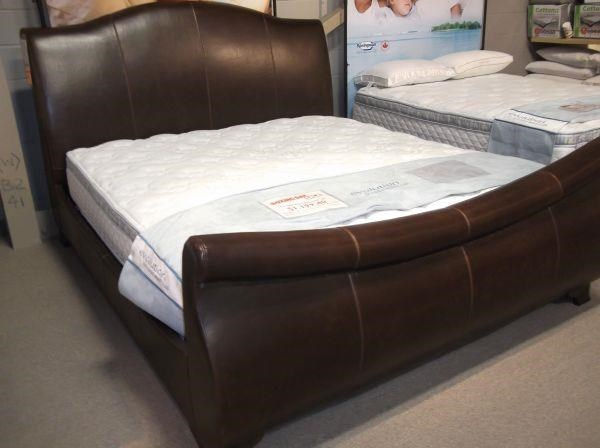 Artage International JacksonUpholstered King Sleigh Bed