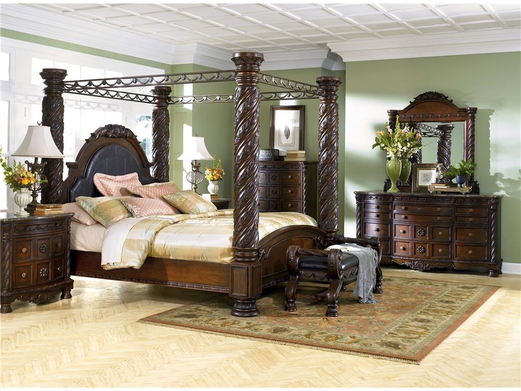 Millennium North ShoreKing Canopy Bed