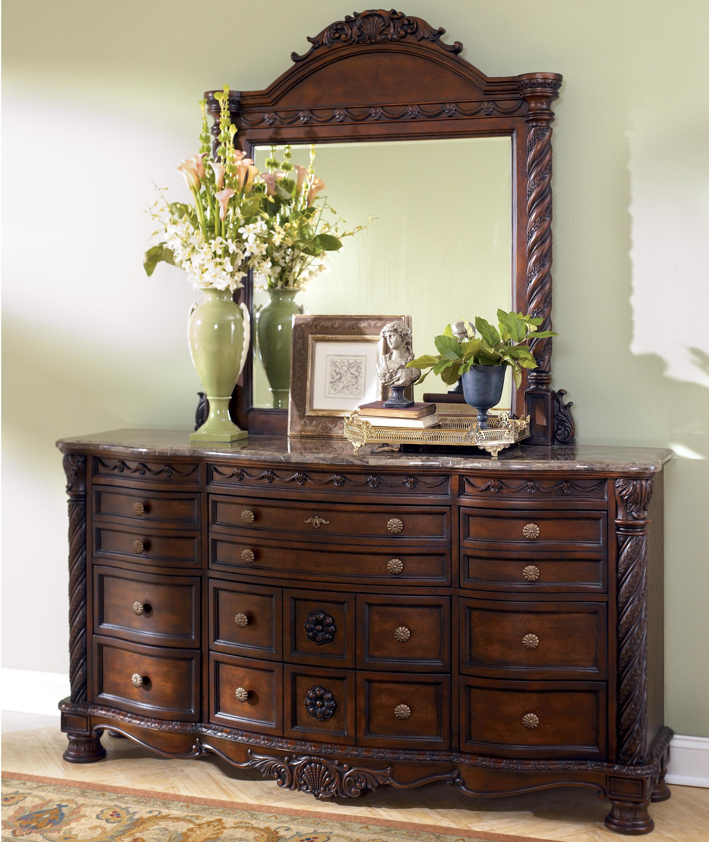 Multidrawer Dresser w/ Mirror