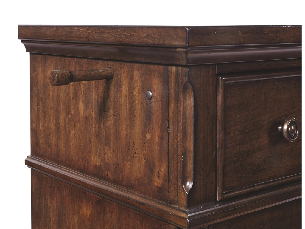 Aspenhome Bancroft4 Drawer Chest