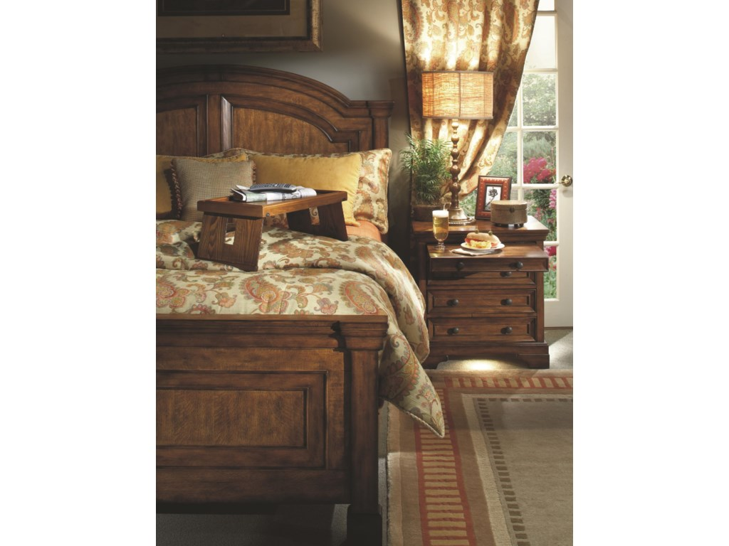 Shown with Arched Panel Bed