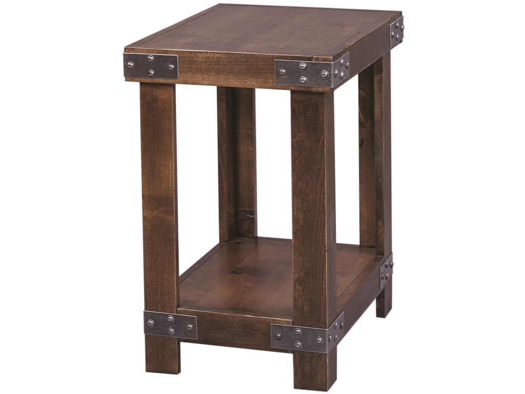 Highland Court DavisDavis Chairside Table