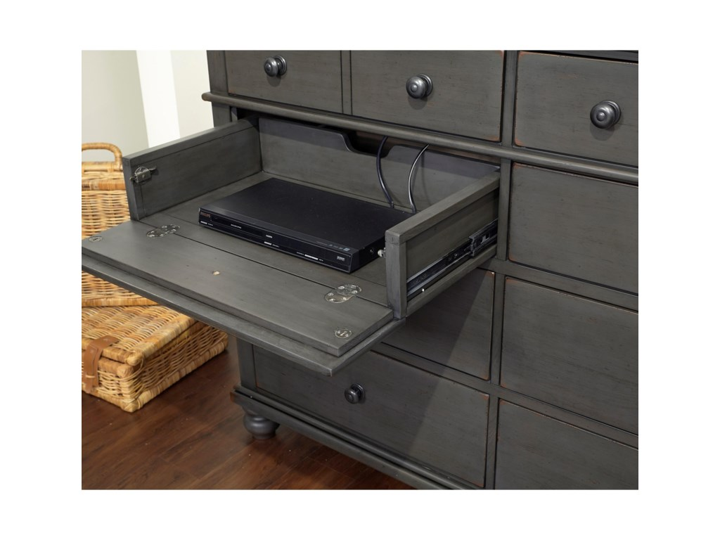 Aspenhome Oxford8 Drawer Chesser