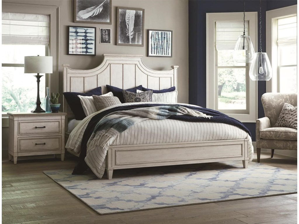 Bassett BellaKing Panel Bed