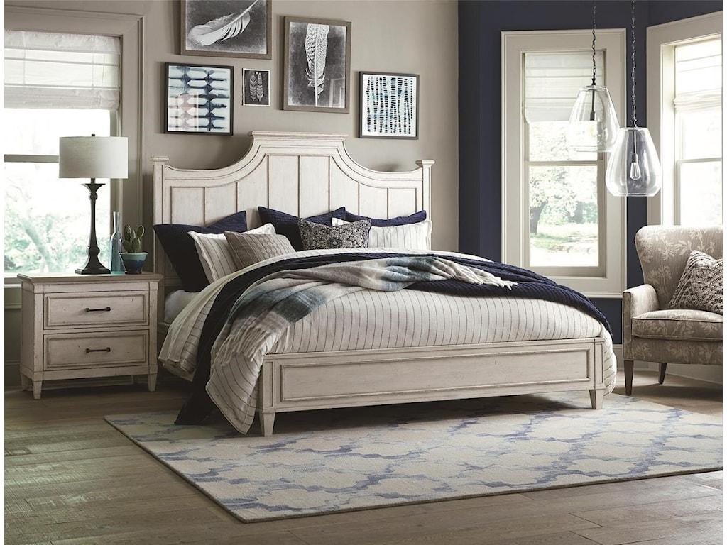 Bassett BellaQueen Panel Bed