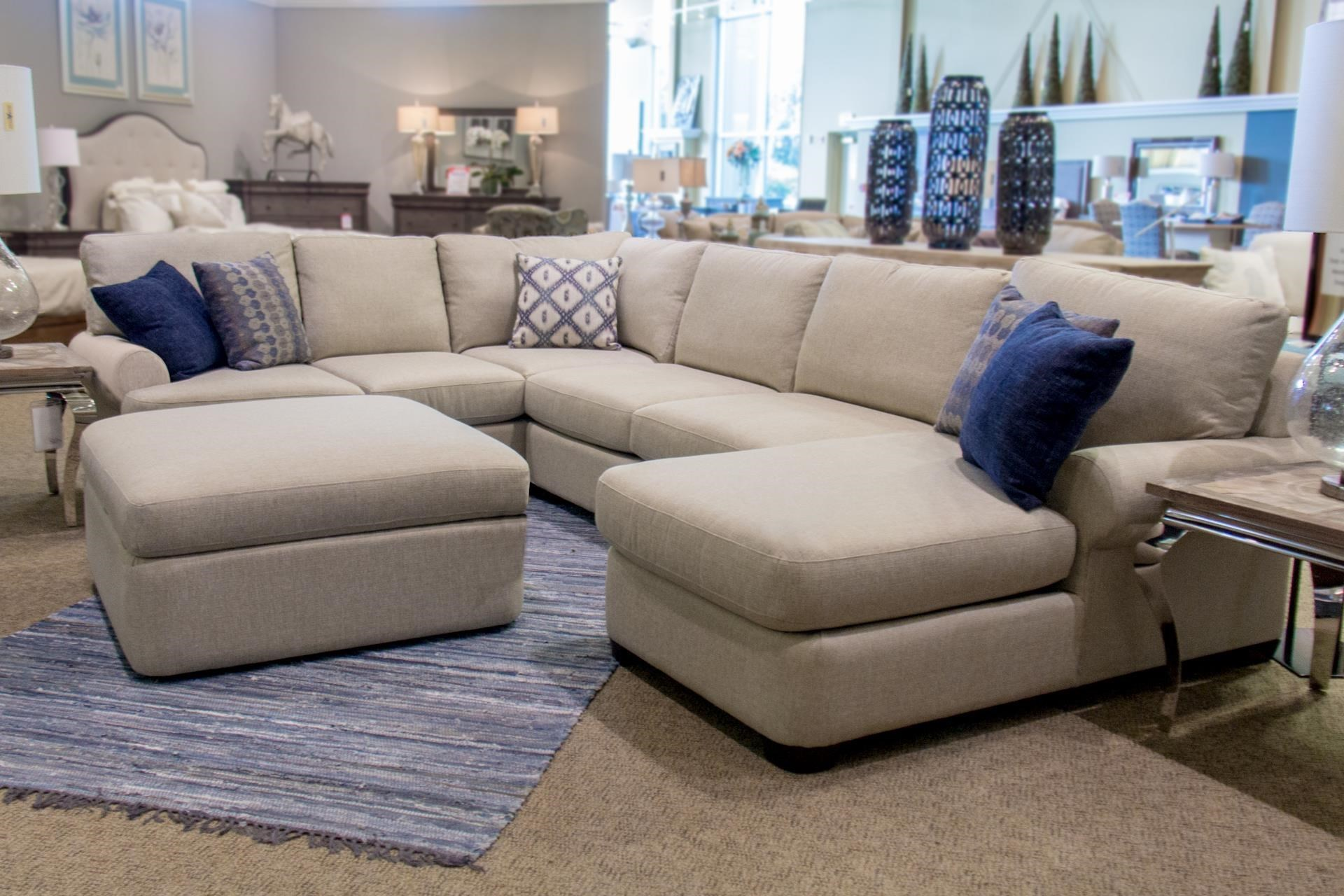 Bassett Monterey3 Pc. Sectional Sofa